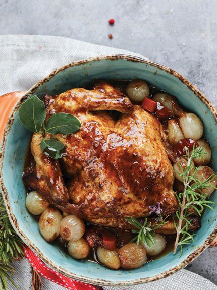 Στιφάδο με κοτόπουλο και μαυροδάφνη