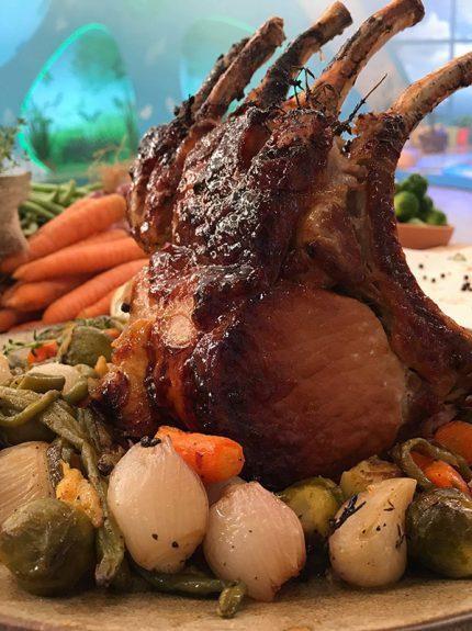 Χοιρινό καρέ στο φούρνο με λαχανικά